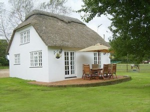 The Summerhouse Holiday Cottage & Business Traveller Accommodation nr Wimborne