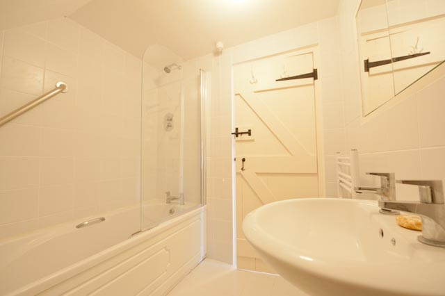 The Bluebell Suite Private Bathroom