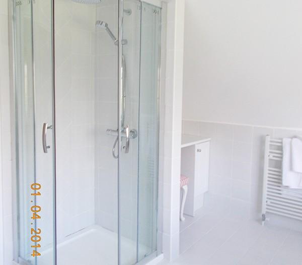 B and B Wimborne Shower Room